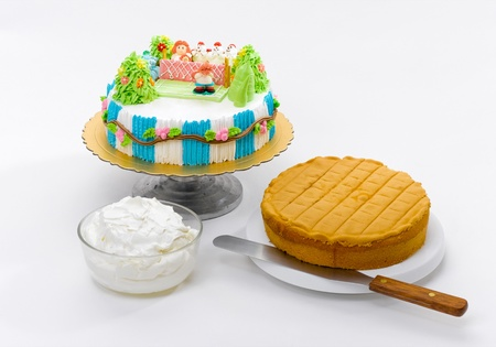 Fancy and eatable cake with raw material prepare for learning to do cake step by step Stock Photo - 15755906