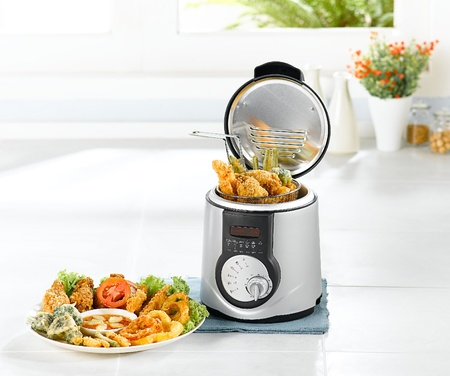 kitchen appliances: Electric appliance fry chicken pot