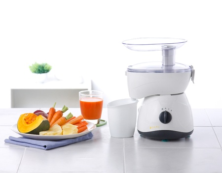 Juice and vegetables blender machine Stock Photo - 16446468