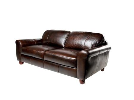 arredamento classico: Brown vera divano a panca in pelle isolato su sfondo bianco Archivio Fotografico