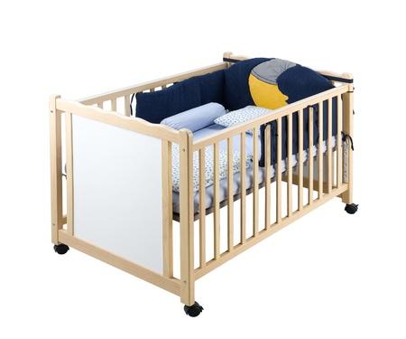 Деревянный детские кровати, изолированных на белом Фото со стока
