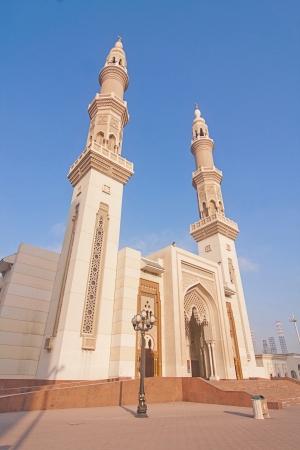 united arab emirate: The beautiful mosque and peace in Shajah, United Arab Emirate