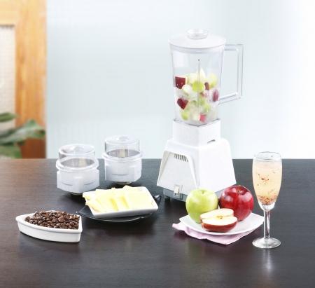 licuadora: Las frutas jugo de la máquina licuadora de la cocina