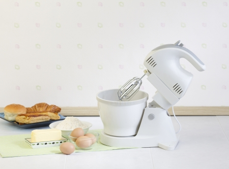 Flour mixer tool for your bakery preparing