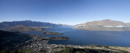 wakatipu: Beautiful scenery of the Wakatipu lake Queenstown city New Zealand