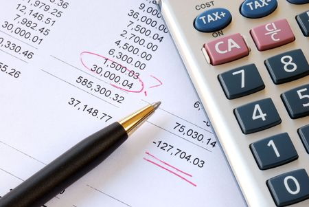 Find a mistake when auditing the financial statement Banco de Imagens