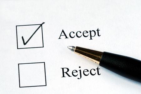 Wählen Sie die Accept-Option mit einem Stift