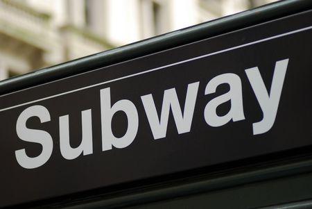 sortir: Signe de m�tro de New York City depuis la gare