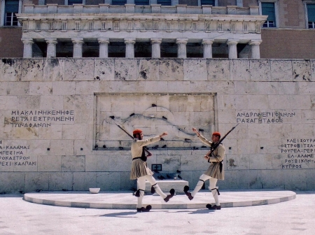 Greek soldiers in front of Athens parliament