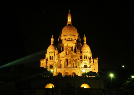 Sacre-cour Cathedral at night