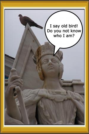 pidgeon: Pidgeon feces on statue of Queen Victoria in Nassau, Bahamas