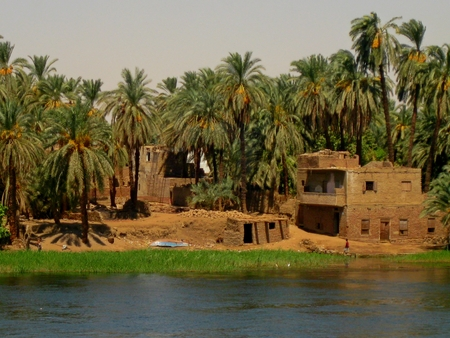 Small settlement on the Nile River bank Stock Photo