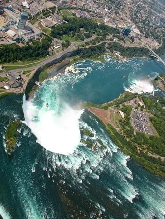 niagara falls: Aerial view of Niagara Falls