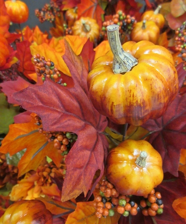 assemblage: Assemblage of Fall foliage and harvest vegetables Stock Photo