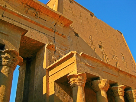 lintel: Confluence of detailed Egyptian architecture.