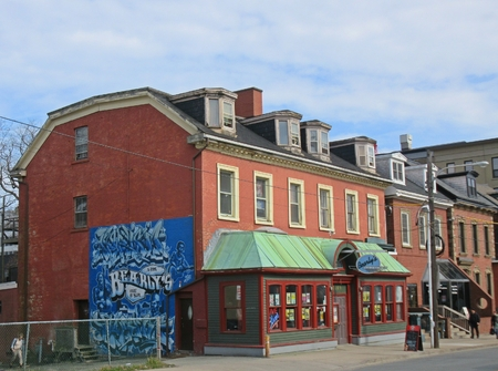 Famous Halifax, Nova Scotia blues bar and restaurant Bearly's.