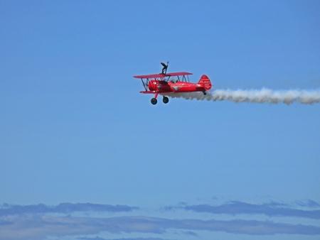 ウィングウォーキングデアデビル athe は、大西洋カナダ航空ショーを持っています。