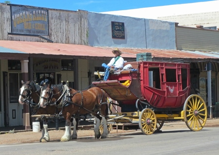 Old stagecoach in Tombstone Arizona. Banco de Imagens - 86074857