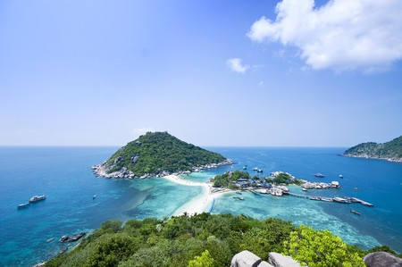 Two idylic islands Ko Nang Yuan in Thailand photo