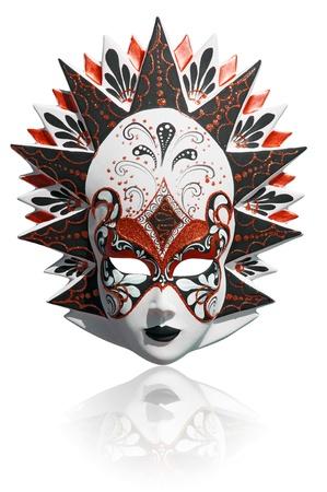 maski: Złoty tradycyjne weneckie maski karnawałowe na białym. Wenecja, Włochy.