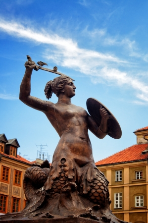 warszawa: Siren Monument over blue sky, Old Town in Warsaw, Poland