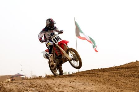 motorcross: KUWAIT - 2 de marzo: El cuarto de milla Automovilismo Club (QMMC) organiza el segundo campeonato de motocross de Kuwait el 2 de marzo de 2012 en el sur de Kuwait cerca de Khiran detr�s de la Estaci�n de Bomberos Nuwaisib.