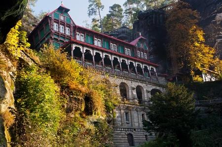 czech switzerland: Hotel di montagna vicino Pravcicka brana - il più grande porta naturale d'Europa.