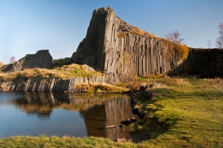 czech switzerland: Bello scenario autunnale con rocce chiamato