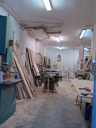 carpenter's sawdust: Carpenters workshop with sawdust on the floor