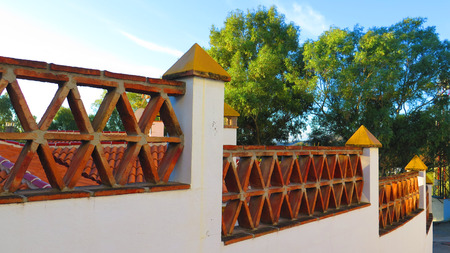 stepped: Stepped garden wall with decorative brick layout