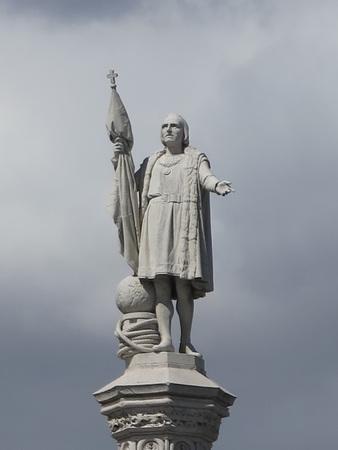 cristobal colon: Statue of Christopher Columbus od Cristobal Colon in Madris, Spain Editorial
