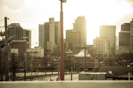 tennesse: Puesta del sol de oro en Nashville, Tennessee