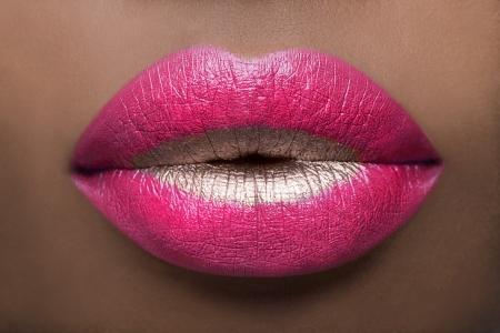 충격적인 핑크색 입술 스톡 콘텐츠 - 9783008