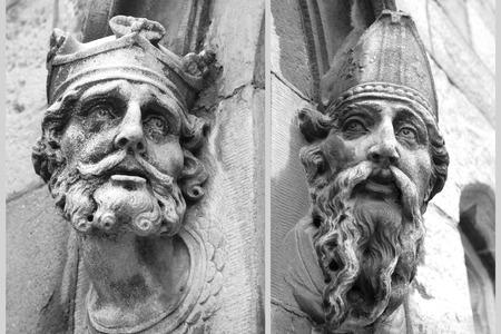 heads old building facade: Statue Heads Dublin Castle