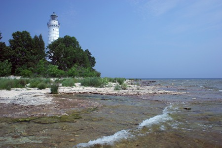 lake michigan lighthouse: Faro de la isla de Cana en el lago Michigan