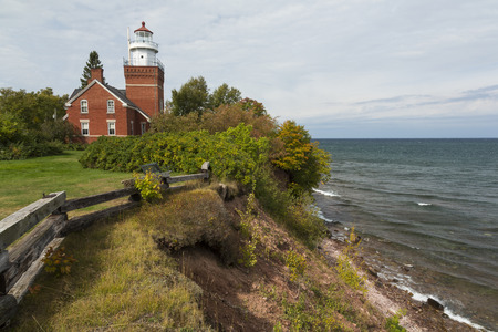 スペリオル湖の大きな湾ポイント灯台 写真素材