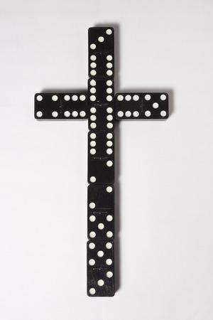 dominoes: Cross of Dominoes