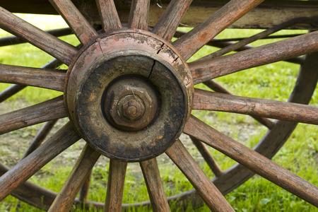古い荷馬車の車輪 写真素材