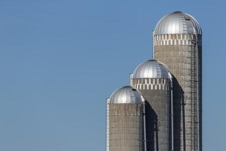 storage bin: Farm Silos Graph