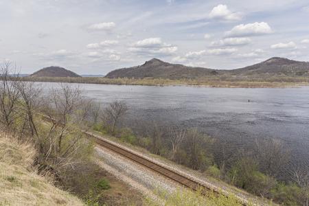 Mississippi River In Spring 版權商用圖片
