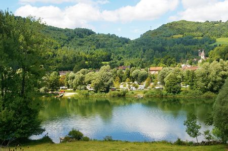 lain: Beautiful Riverside Location  in the Ain River Valley,France