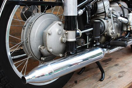 Pot d'échappement chromé du gros vélo Banque d'images