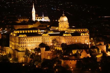buda: Ch�teau de Buda la nuit, Budapest