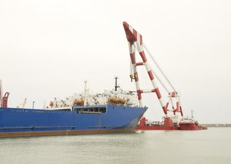 reverse: ship and crane