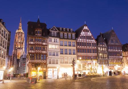 derecho romano: Frankfurt por la noche
