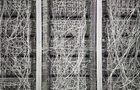 energia electrica: máquina vintge estilo antiguo con cables para el cálculo Foto de archivo