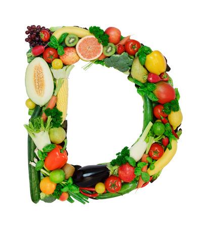 abecedario: Carta hecha de vegetales frescos a frutas aisladas sobre fondo blanco