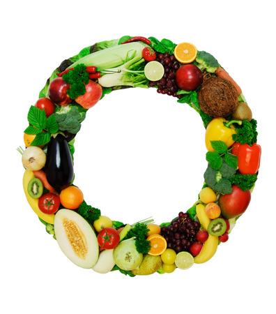 lettres alphabet: Lettre � base de l�gumes frais a fruits isol� sur fond blanc