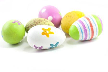 nido de pajaros: huevos de Pascua de pintado a mano tapar el disparo de estudio de macro