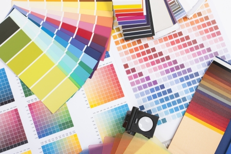 grafica: espectro de color de muestras utilizado por un dise�ador gr�fico o el pintor Foto de archivo